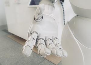 AI也能血有肉有温度?陈怡导演这样说……