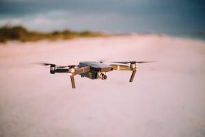 战疫下的无人机:监控、空中防控、硬核劝返