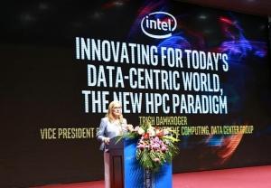 以����橹行淖�革IT系�y范式,英特��加速HPC和AI融合