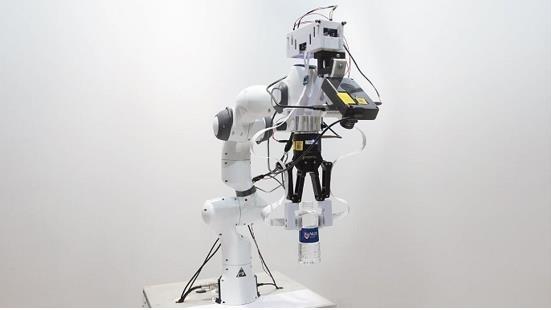 """英特尔神经拟态计算技术助力新加坡研究人员让机器人""""有触觉"""""""