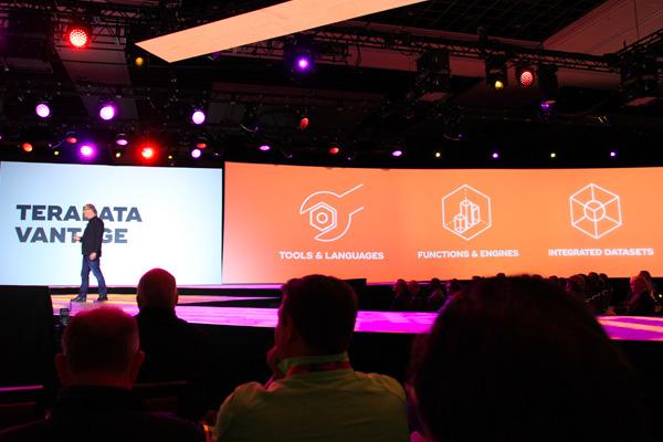 停止购买分析?Teradata Vantage一个无处不在的数据智能唯一平台