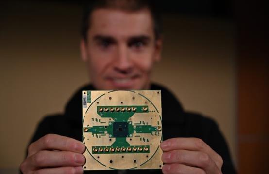 """英特尔和QuTech披露首款低温量子计算控制芯片""""Horse Ridge""""细节"""