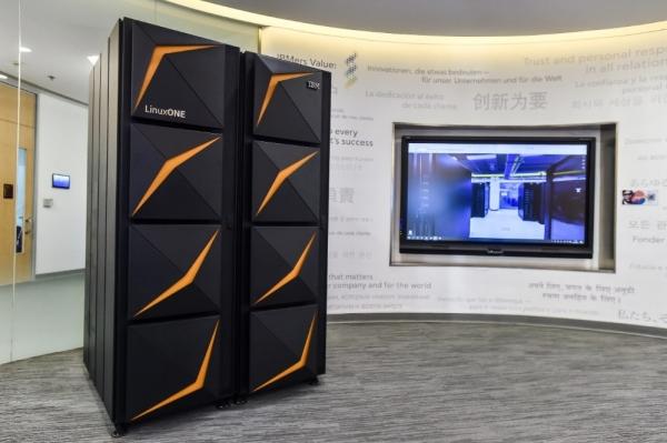 """步入数字化转型深水区 LinuxONE赋力金融行业打造IT""""新基建"""""""