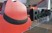Red Hat��蟊憩F突出 IBM收��步推�M