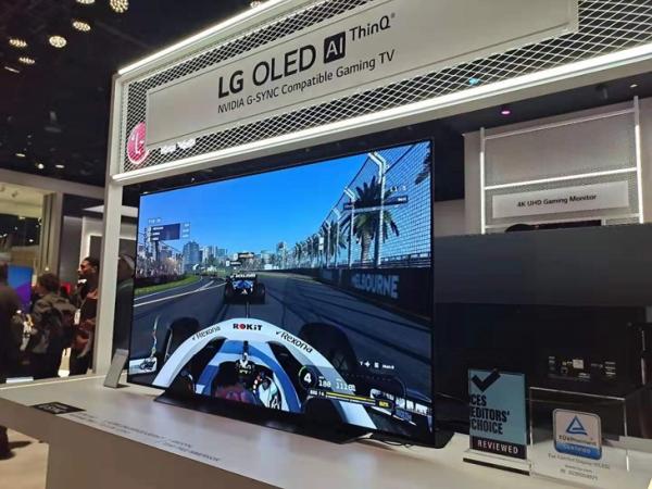 CES 2020:在LG展台,我不仅看到了卷到天花板的电视,还回到了童年