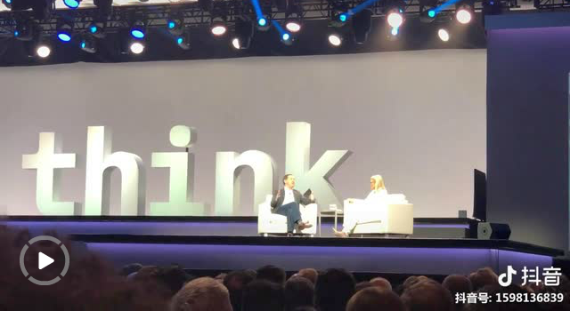 """必须再show一次这顶价值330+亿美元的""""蓝帽子"""",IBM CEO与红帽CEO同框"""