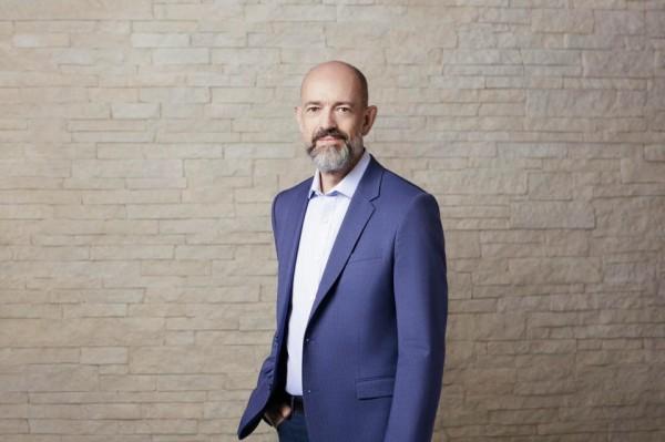 Arm公司CEO Simon Segars谈芯片危机、新计算时代与英伟达提出的540亿美元收购邀约