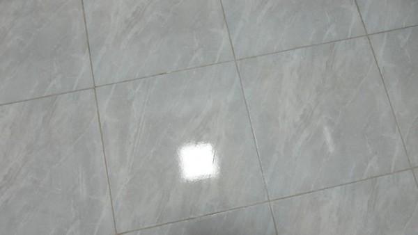 """石头智能双刷洗地机U10:跟随用户的脚步 让地面""""焕""""然一新"""