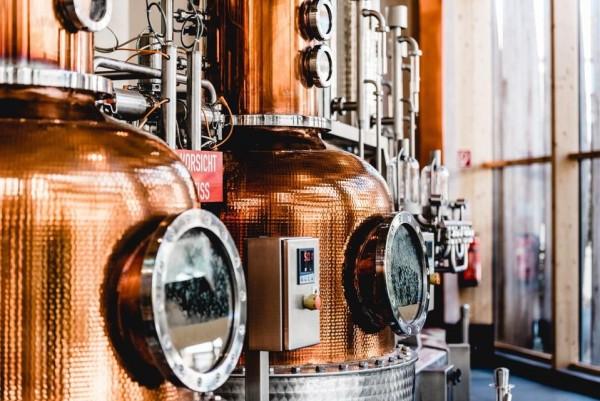 你手中的威士忌,没准是人机酿造的产物